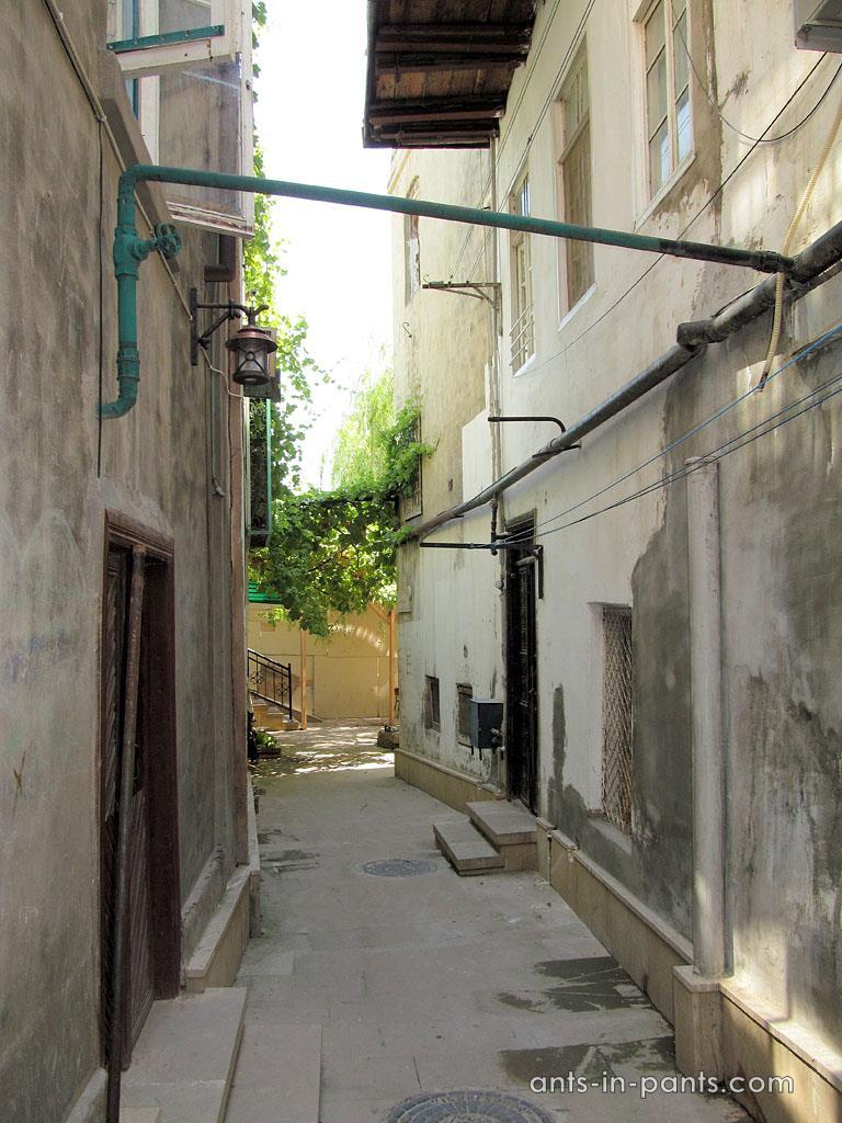 Дворы Баку