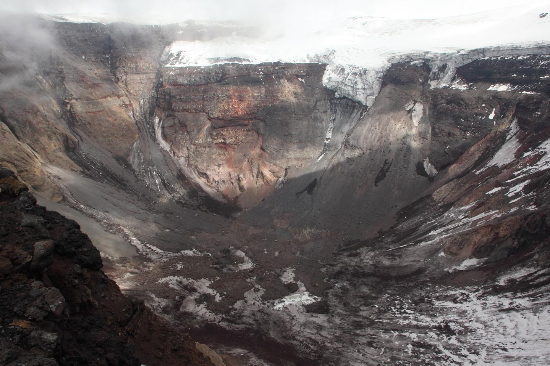 49082-Plosky_Tolbachik_Volcano_Crater_Kamchatka_20100711