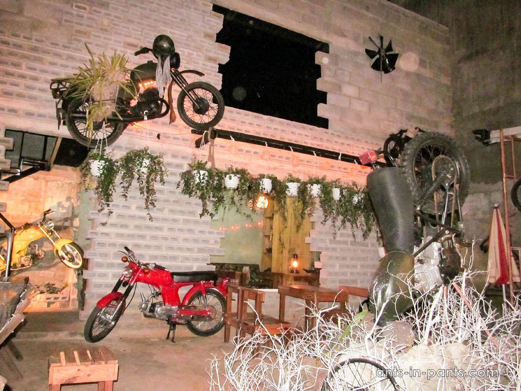 байкерский бар