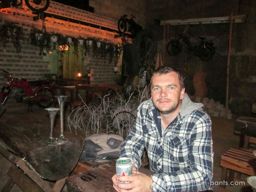 Dak-lak-province-biker-bar-2