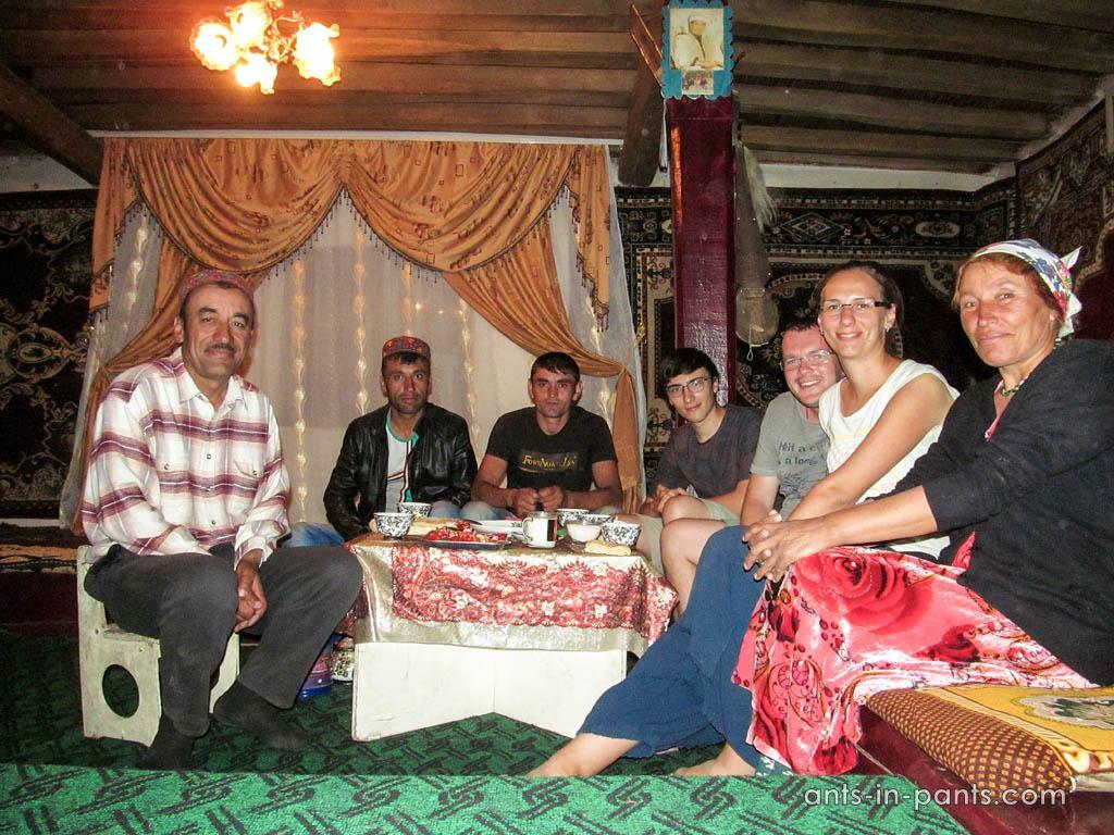 Ваханская долина: семья