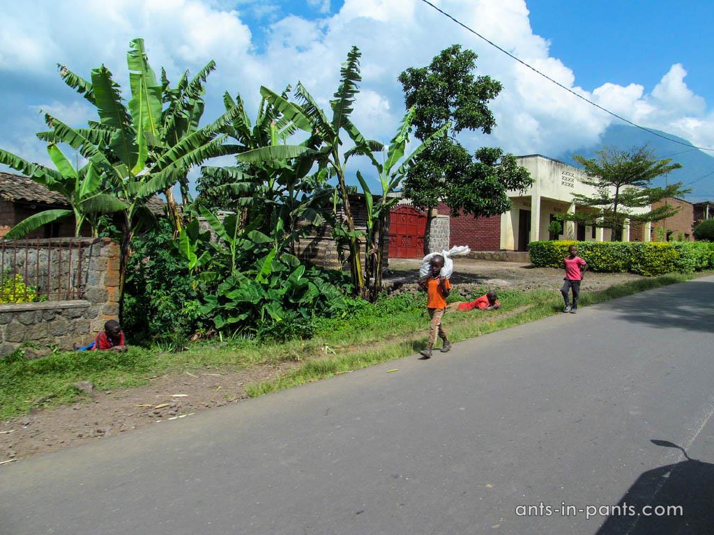 Rwanda-Uganda-Border-4IMG_1815