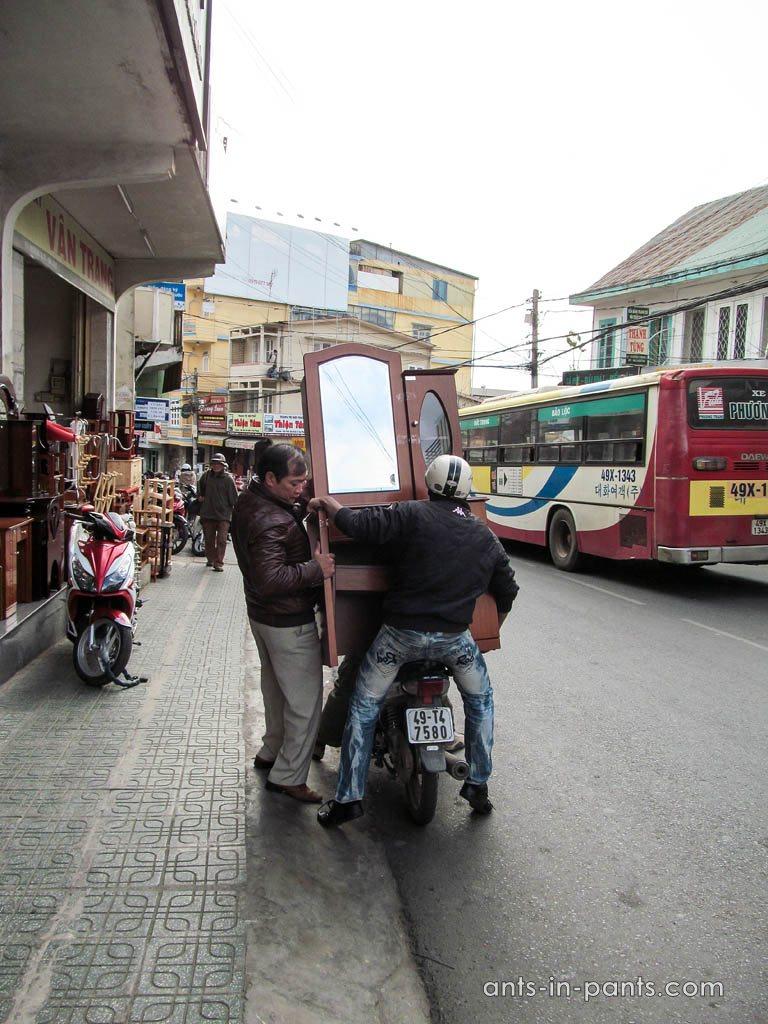 Шкаф на мотоцикле