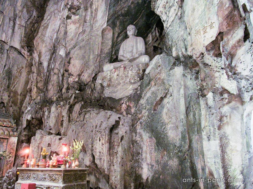 Монастырь в пещерах