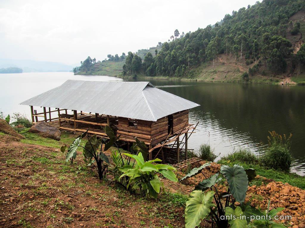 Остановиться на озере Буньоньи