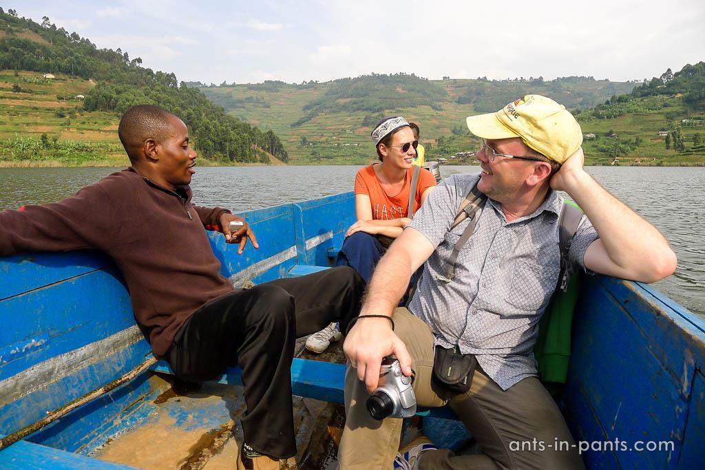 Экскурсия по озеру Буньоньи