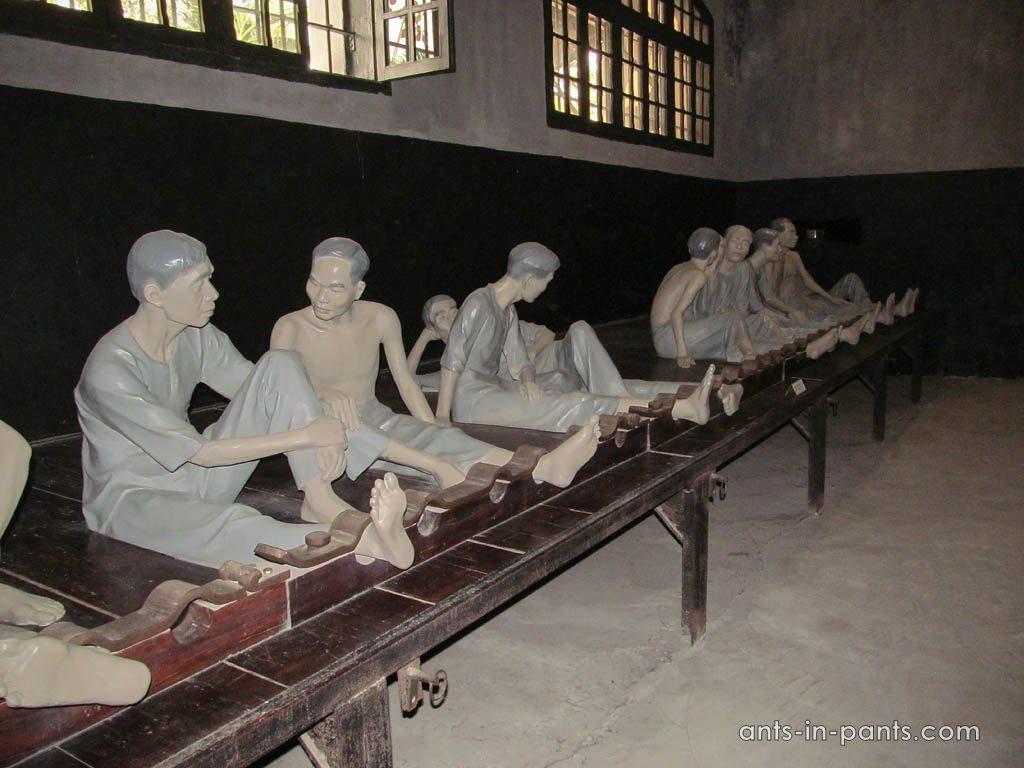 prison Hoa Lo