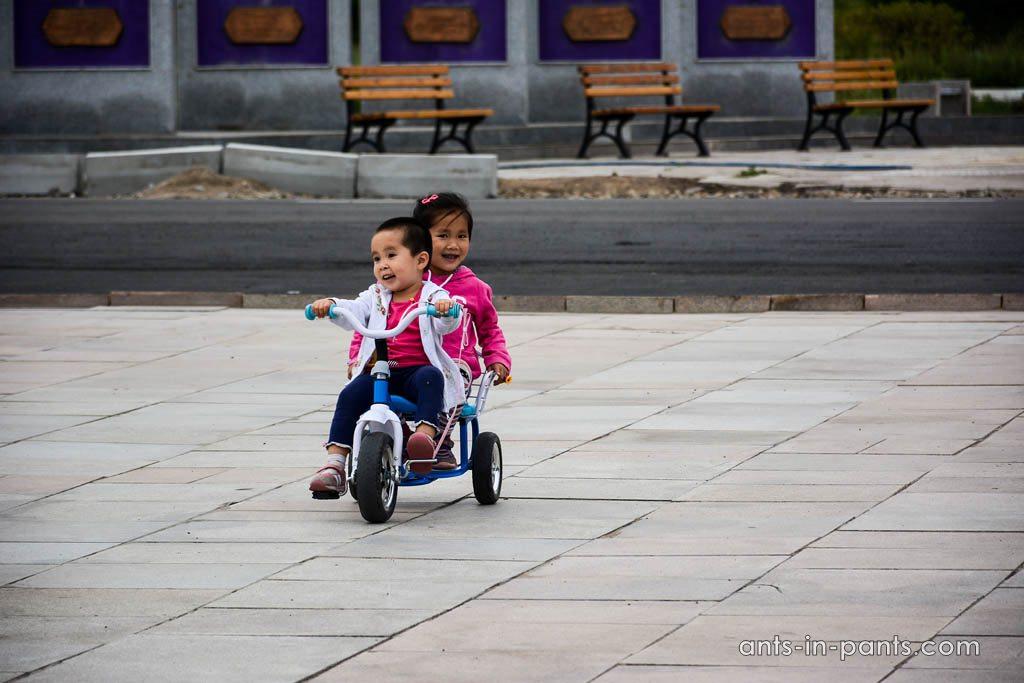 Дети в Монголии