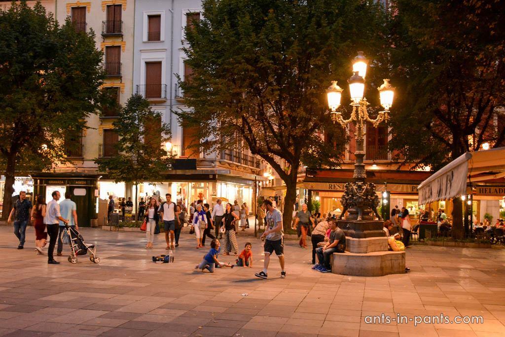 Ночная Гранада
