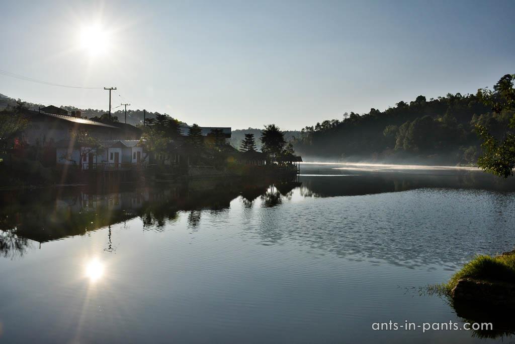 Озеро Бан Рак Тай