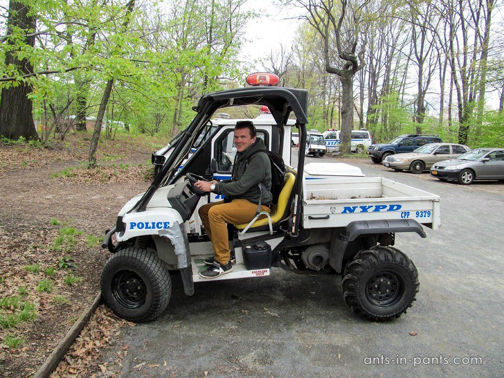 Автомобиль полицейских в США