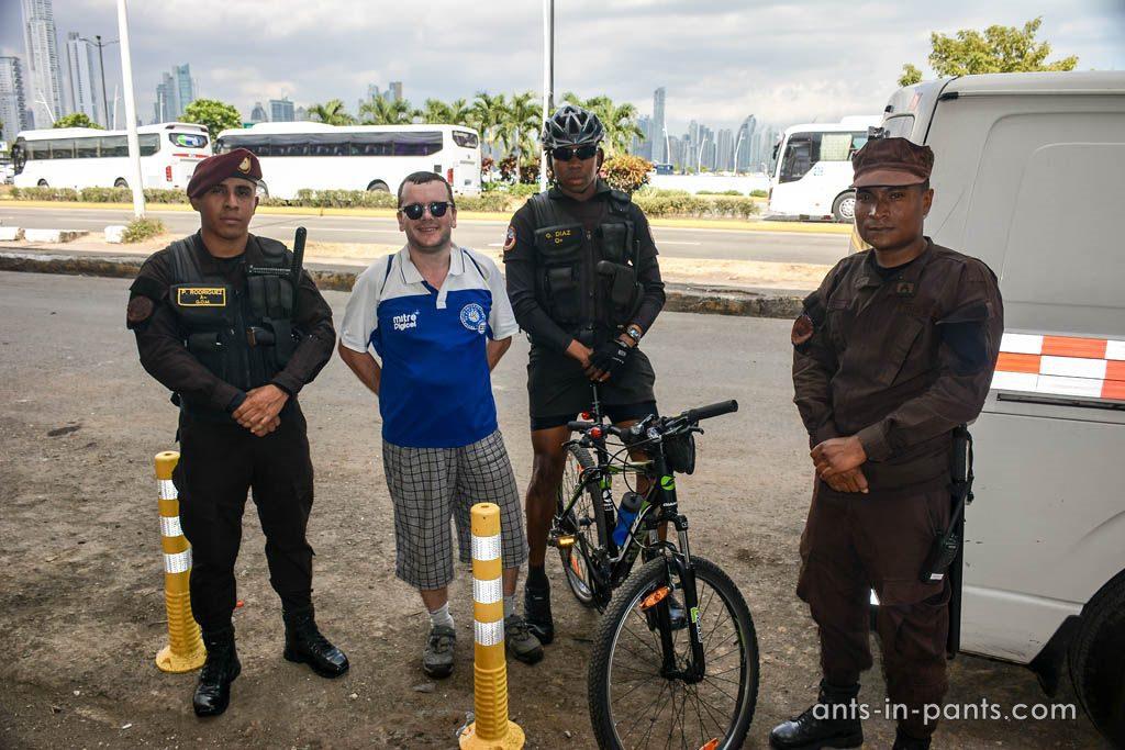 полицейские в Панаме