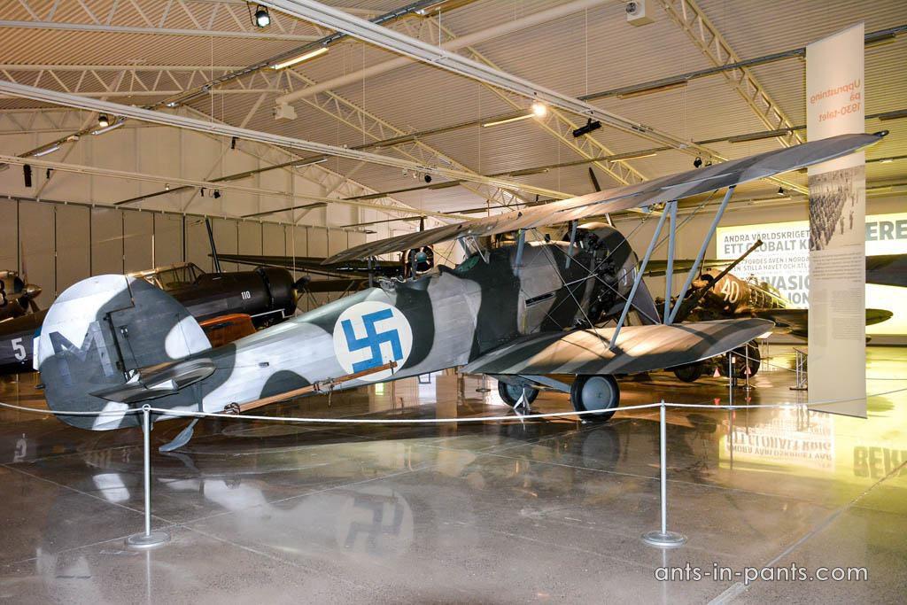 B4-Hawker Hart