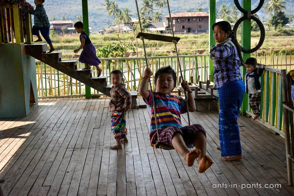 дети в Бирме